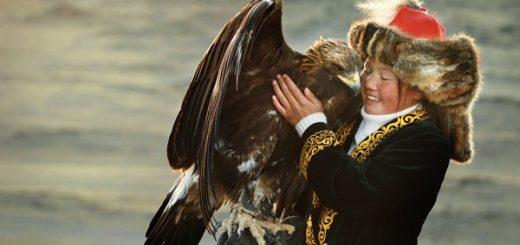the-eagle-huntress-low3-cut