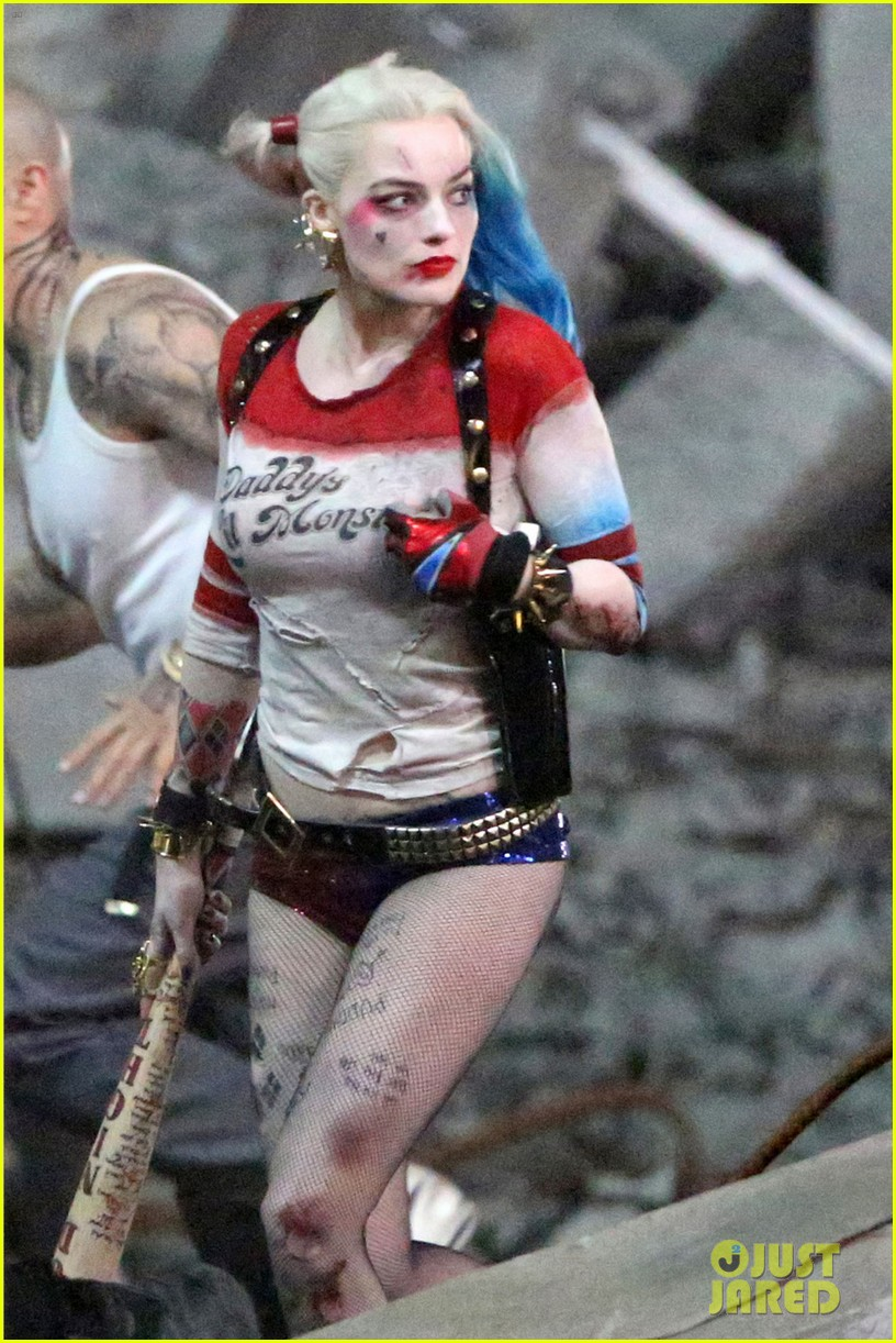 jared-leto-fights-kisses-margot-robbie-in-suicide-squad-01