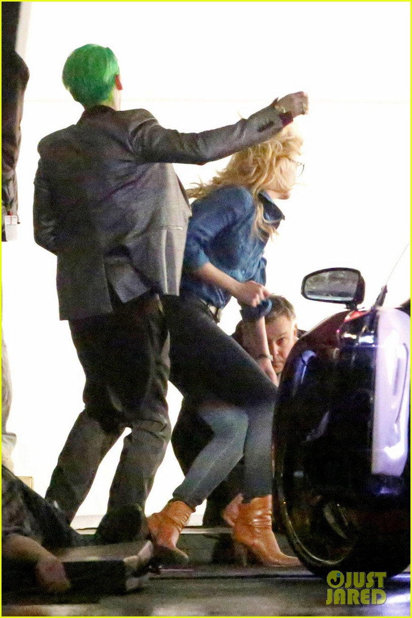 jared-leto-fights-kisses-margot-robbie-in-suicide-squad-03