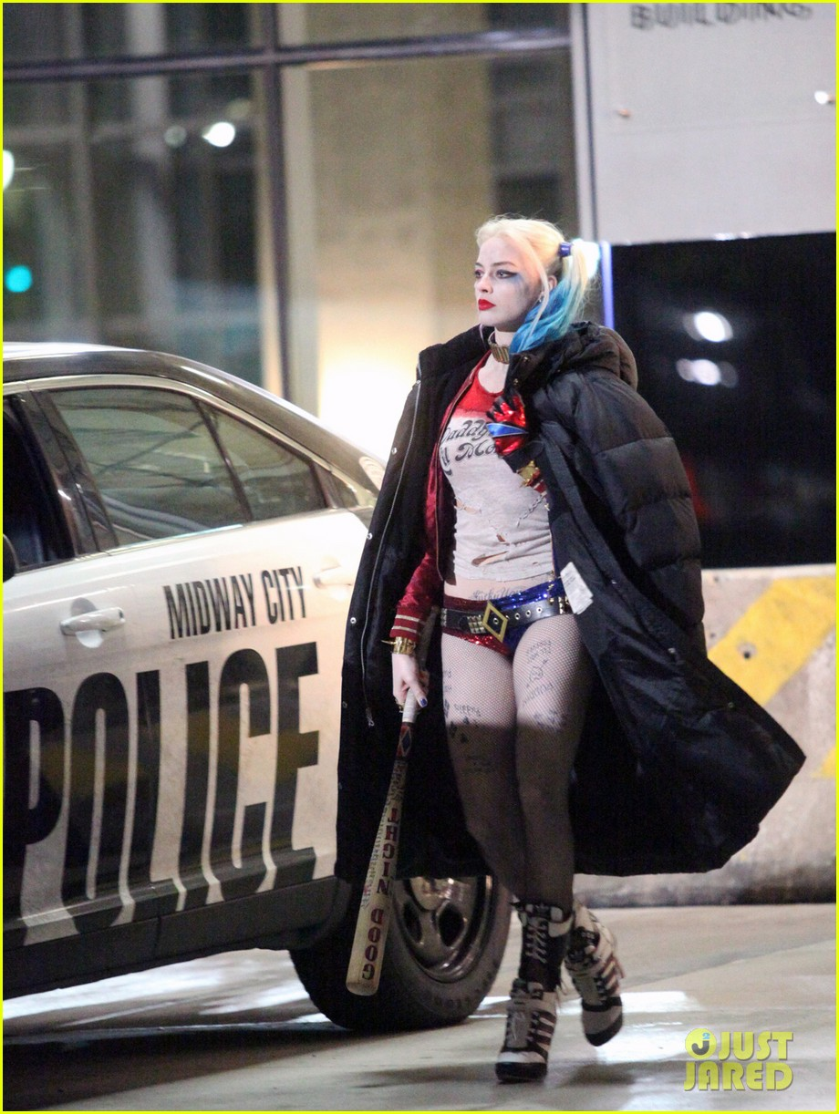 jared-leto-fights-kisses-margot-robbie-in-suicide-squad-09