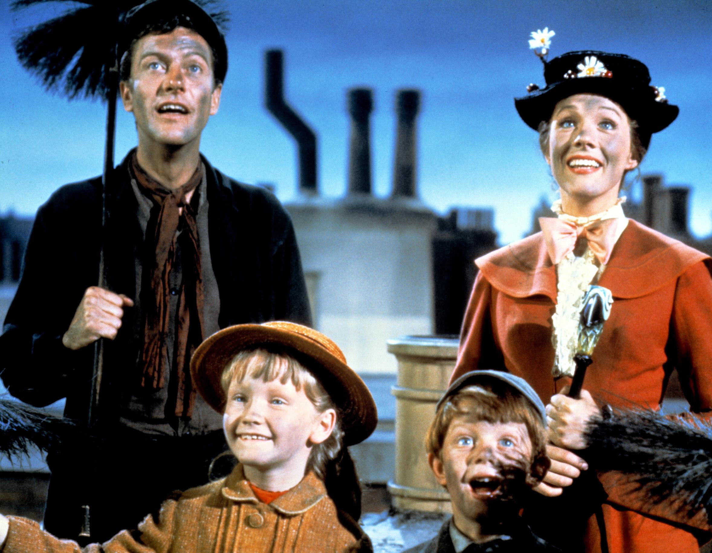 MARY POPPINS, Dick Van Dyke, Karin Dotrice, Matthew Garber, Julie Andrews, 1964