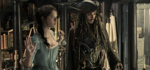 Pirati dei Caraibi La Vendetta di Salazar recensione - The villainous Captain Salazar (Javier Bardem) pursues Jack Sparrow (Johnny Depp) as he searches for the trident used by Poseidon..Pictured L-R: Kaya Scodelario (Carina Smyth) and Johnny Depp (Captain Jack Sparrow)..Ph: Peter Mountain..© Disney Enterprises, Inc. All Rights Reserved.